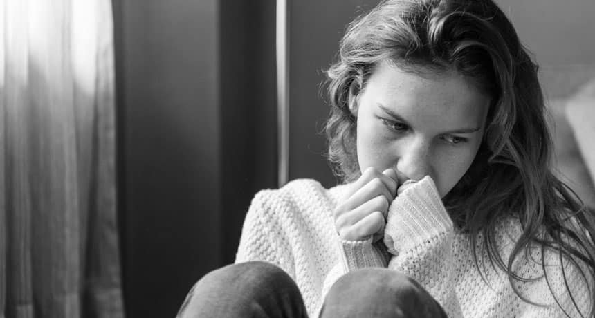 """Psicólogo Gratuito - Uma nova pesquisa explica por que a auto congruência é importante. Quando você está deprimido, você pode ser tentado a se concentrar em seus sintomas, como se sentir para baixo, ser incapaz de comer ou dormir, ou dificuldade em se concentrar. Mas um artigo de 2019 sobre depressão sugere que """"um senso de identidade"""" é o que você deve prestar atenção. Qual é o Psicólogo Gratuito seu senso de identidade? Por que isso Importa? Psicólogo Gratuito E o que você pode fazer para se sentir menos deprimido? Neste post, vou me concentrar em uma das teorias que explicam por que as pessoas ficam deprimidas. Psicólogo Gratuito Essa premissa é chamada de """"teoria da autodiscrepância"""". Psicólogo Gratuito - Segundo o professor de psicologia Edward Higgins, o """"eu"""" tem três aspectos: um eu real, ideal e próprio."""